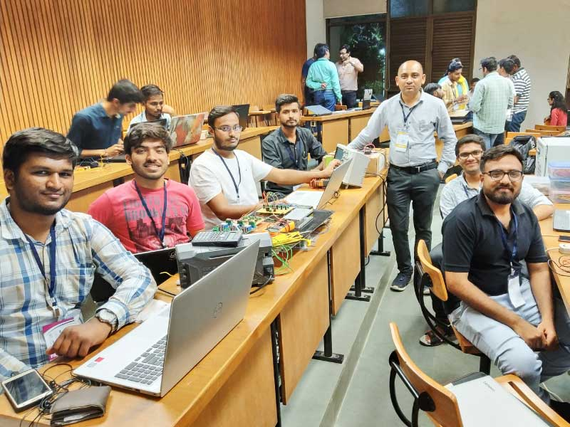 Team of Darshan Students in Final of Gujarat Industrial Hackathon 2018-19