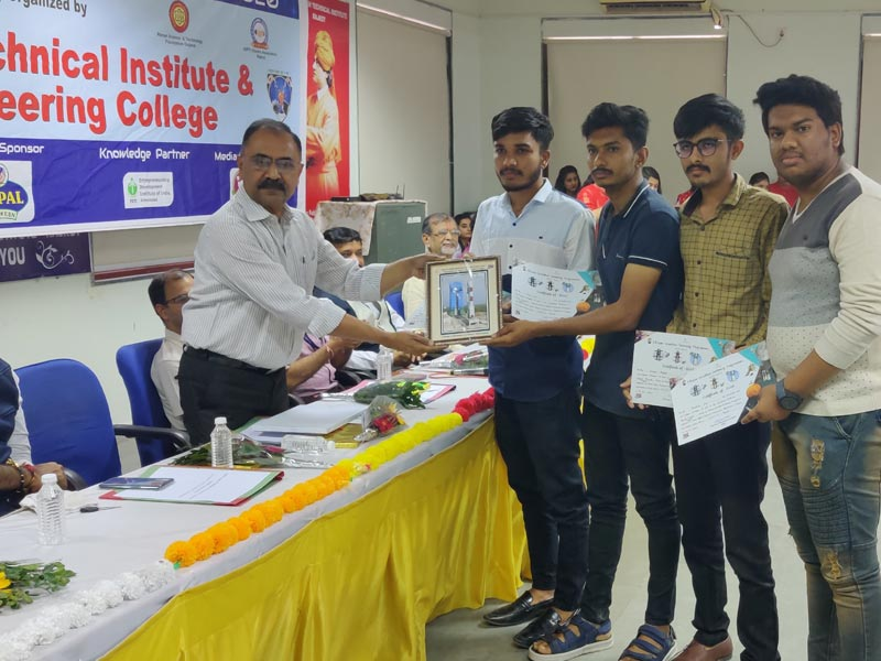 Electrical Engineering students secured 3rd Position in ISRO Space Exhibition and Science Carnival held at AVPTI during 26 - 28 February.